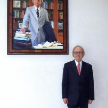 Morris Arnold with his portrait installed in the Federal Courthouse in Little Rock, Arkansas