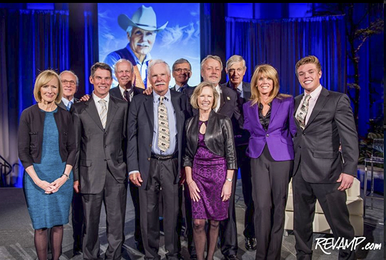 Ted Turner, members of the Turner family, & guest speakers; Judy Woodruff, Sam Nunn, Tim Wirth, Tom Wheeler, Michael Finley, Gary Jobson, & Kathy Calvin at National Portrait  Gallery unveiling 141202